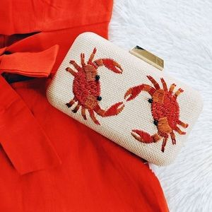CRAB CLUTCH RATTAN EMBROIDERED  GOLD CHAIN